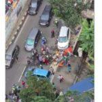 Mobil Seruduk 3 Gerobak di Tebet Jaksel, 3 Orang Luka-luka